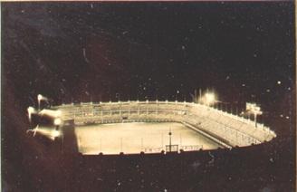 Maravilhosa foto de nosso Estádio com seus refletores acesos.