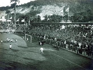 No dia 11 de maio de 1919 a inauguração e estreia da seleção brasileira no estádio. Brasil 6 x 0 Chile.