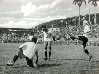 A partida final contra o Uruguai foi realizada no dia 25 de maio e, após 150 minutos de jogo, o tempo normal e mais duas prorrogações de 30 minutos, Friedenreich fez 1 x 0 e deu o título para o Brasil, aos 3 minutos da segunda prorrogação.
